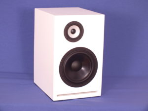 Exclusie 3 _ 8 compact white frontal